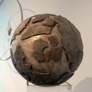 Pandore - 2007, plâtre et terre cuite, diam. 40 cm